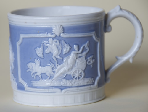 Medium Chariot mug left side