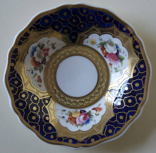Pattern 2/1215 saucer front