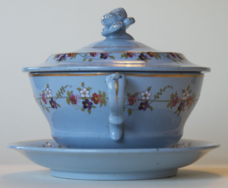 Pattern 818 covered bowl and stand handle
