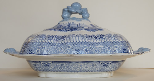 Grecian covered vegetable dish side