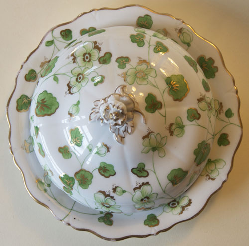 Pattern 2/4023 covered muffin dish top