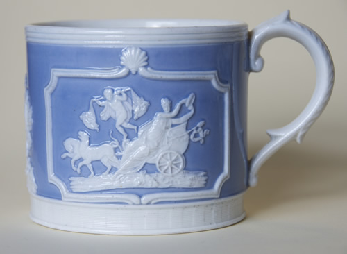 Large Chariot mug left side