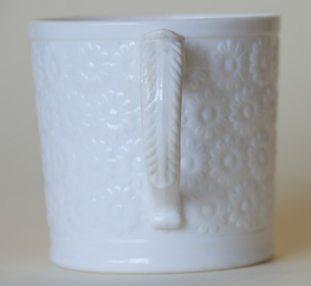 Pattern 472 mug handle side