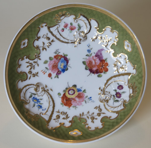 Pattern 2/829 saucer front