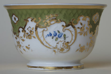 Pattern 2/829 tea cup middle side