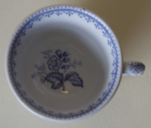 Ermine Border toy tea cup top