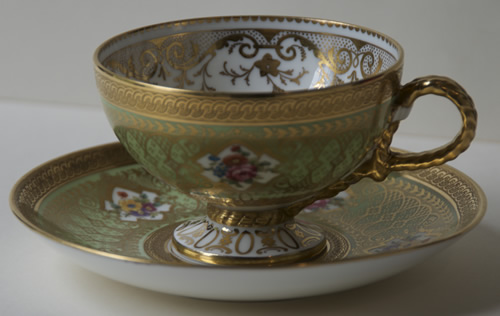 Pattern V/4441 tea cup and saucer