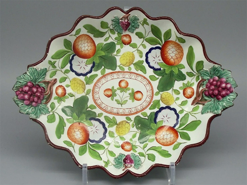 Pattern 580 oval dessert dish front