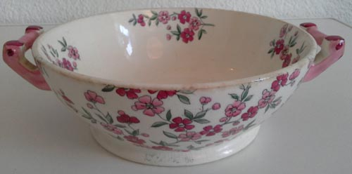 Pattern i/287 small covered bowl side
