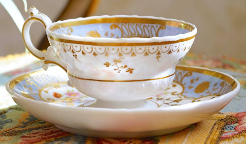Pattern 2/2472 tea cup and saucer