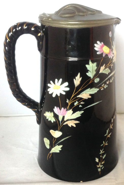 Pattern e/83 covered jug right side